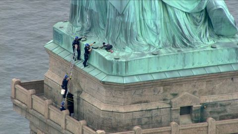 NY: Liberty Island being evacuated because of a person trying to climb the statue of Liberty   Liberty island is being evacuated because of a person trying to climb the statue of Liberty and U.S. Park Police and NYPD are on the scene, Jerry Willis with the National Park Service tells CNN.