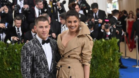 """NEW YORK, NY - MAY 01:  Nick Jonas (L) and Priyanka Chopra attend the """"Rei Kawakubo/Comme des Garcons: Art Of The In-Between"""" Costume Institute Gala at Metropolitan Museum of Art on May 1, 2017 in New York City.  (Photo by Mike Coppola/Getty Images for People.com)"""