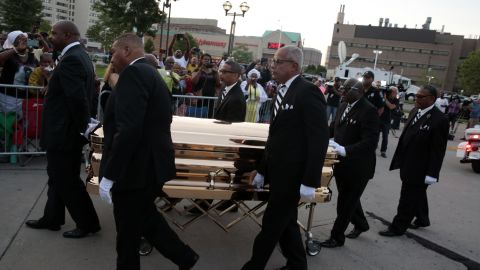 The casket of late Aretha Franklin arrives at the Charles H. Wright Museum of African American History for a viewing on August 28, 2018 in Detroit, Michigan.