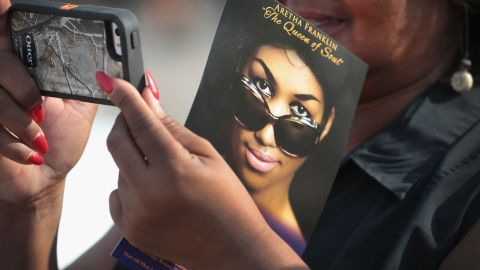 DETROIT, MI - AUGUST 28:  Fans of Aretha Franklin attend a viewing for the soul music legend at the Charles H. Wright Museum of African-American History on August 28, 2018 in Detroit, Michigan. Franklin will lie in repose at the museum today and tomorrow for the public to pay their respects. Franklin's funeral will be held Friday at Greater Grace Temple.  (Photo by Scott Olson/Getty Images)