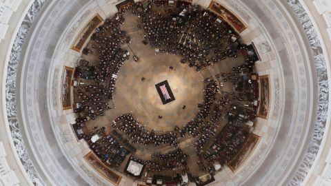 The casket of US Senator John McCain lies in state at the US Capitol Rotunda in Washington, DC, on August 31, 2018. (Photo by Morry Gash / POOL / AFP)        (Photo credit should read MORRY GASH/AFP/Getty Images)