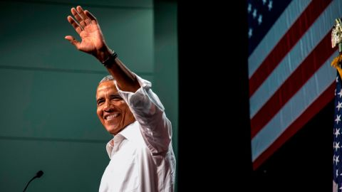 ANAHEIM, CA - SEPTEMBER 08: Former U.S. President Barack Obama waves to the crowd during a Democratic Congressional Campaign Committee rally at the Anaheim Convention Center on September 8, 2018 in Anaheim, California. This is Obama's first campaign rally for the 2018 midterm elections. (Photo by Barbara Davidson/Getty Images)