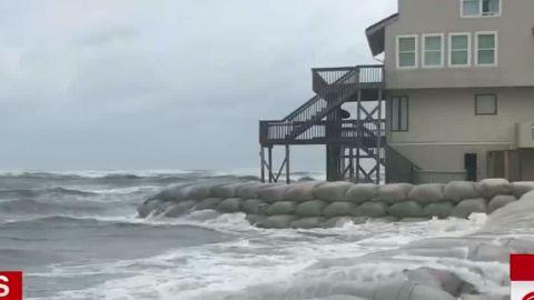 hurricane florence preparations evacuations wrap savidge lead dnt vpx_00000115.jpg