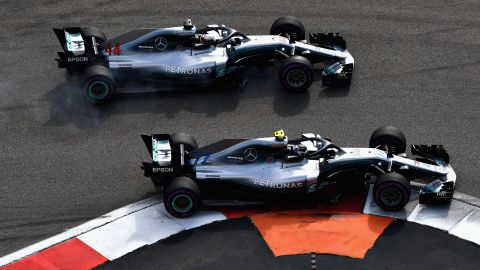 Lewis Hamilton (no 44) overtook fellow Mercedes driver Valtteri Bottas under team orders on his way to a decisive victory in the 2018 F1 title race as he extended his advantage over Sebastian Vettel to 50 points.