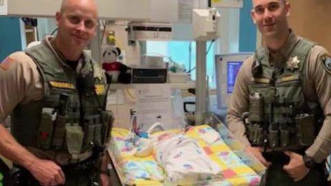 choking baby mall deputies save newsource orig_00004509.jpg