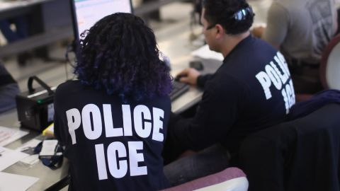 """NEW YORK, NY - APRIL 11:  U.S. Immigration and Customs Enforcement (ICE), officers process detained undocumented immigrants on April 11, 2018 at the U.S. Federal Building in lower Manhattan, New York City. ICE detentions are especially controversial in New York, considered a """"sanctuary city"""" for undocumented immigrants, and ICE receives little or no cooperation from local law enforcement.  ICE said that officers arrested 225 people for violation of immigration laws during the 6-day operation, the largest in New York City in recent years. (Photo by John Moore/Getty Images)"""