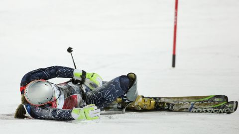 Any momentum from the new deal was slowed during the 2006 Olympics in Italy, though. A fall in practice resulted in a short stay in hospital. She recovered in time to compete but could only manage seventh in the Super G and eighth in the downhill events.