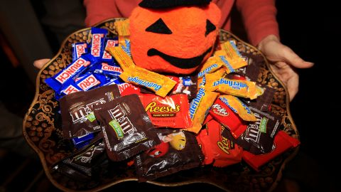 Fun-size Halloween candies have more calories than you might think. If you eat one fun-size M&M regular and peanut, a Twix, Almond Joy, Milky Way, Snicker, Butterfinger, Baby Ruth, Skittles and 30 candy corns, you've got a whopping 923 calories to burn off.