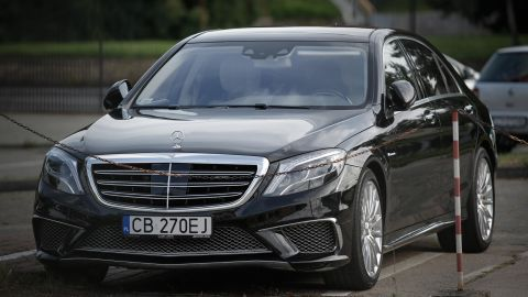 Daimler and Geely's ride-hailing business will launch with a fleet using Mercedes-Benz cars.