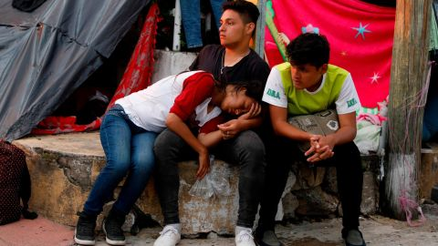 Central American migrants rest for the night in Pijijiapan, Mexico, on Thursday, October 25.