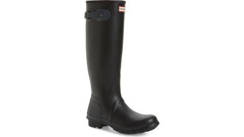 "<strong>Hunter Original Tall Rain Boot ($99.90, originally $150; </strong><a href=""https://click.linksynergy.com/deeplink?id=Fr/49/7rhGg&mid=1237&u1=1118nordstrombf&murl=https%3A%2F%2Fshop.nordstrom.com%2Fs%2Fhunter-original-tall-rain-boot-women%2F5151518%3Forigin%3Dcategory-personalizedsort%26breadcrumb%3DHome%252FSale%252FWomen%26color%3Dblack%252F%2520dark%2520slate"" target=""_blank"" target=""_blank""><strong>nordstrom.com</strong></a><strong>) </strong><br />"