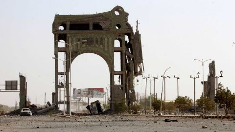 A destroyed arch on the eastern outskirts of Hodeidah.