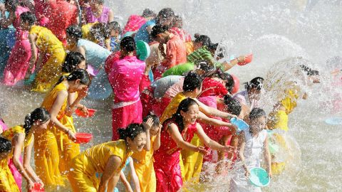It is also a sacred place for local communities. Each April, a water splashing festival takes place on the banks of the Lancang-Mekong River to celebrate the new year for the Dai ethnic minority of Xishuangbanna in southwest China. Similar water festivals take place across Southeast Asia to bring in the new year.