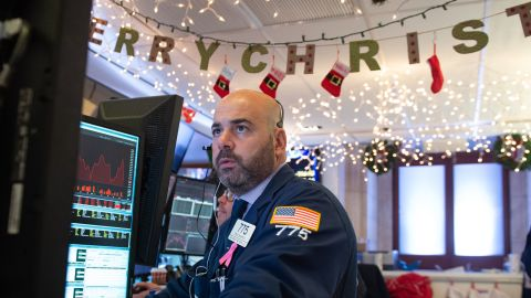 Traders work on the floor at the opening bell of the Dow Industrial Average at the New York Stock Exchange on December 6, 2018 in New York. - Wall Street opened sharply lower Thursday, joining a global stocks sell-off after the arrest of a key Chinese executive at Washington's request revived worries over trade tensions. About three minutes into trading, the Dow Jones Industrial Average had fallen 2.0 percent, nearly 500 points, to 24,532.25. The broad-based S&P 500 sank 1.9 percent to 2,648.04, while the tech-rich Nasdaq Composite Index shed 2.2 percent to 7,002.02. (Photo by Bryan R. Smith / AFP)        (Photo credit should read BRYAN R. SMITH/AFP/Getty Images)