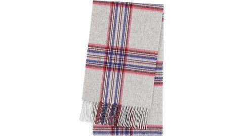 """<strong>Fashionable gifts for dad: The scarf</strong><br />Cashmere checked scarf ($49.90; <a href=""""https://click.linksynergy.com/deeplink?id=Fr/49/7rhGg&mid=40462&u1=1211mensfashiongifts&murl=https%3A%2F%2Fwww.uniqlo.com%2Fus%2Fen%2Fcashmere-checked-scarf-411361.html%3Fdwvar_411361_color%3DCOL02%26cgid%3Dmen-accessories-and-shoes%23start%3D1%26cgid%3Dmen-accessories-and-shoes"""" target=""""_blank"""" target=""""_blank"""">uniqlo.com</a>)"""