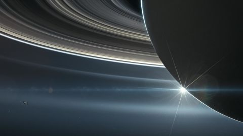 During opposition, Saturn, the sun and Earth are in a straight line, with Earth in the middle.