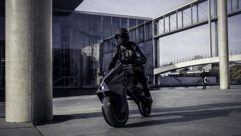 Weighing just 60kg, NERA features airless tires with customizable tread, customizable seat and chest rest and the visually striking rhomboid wheel rim.