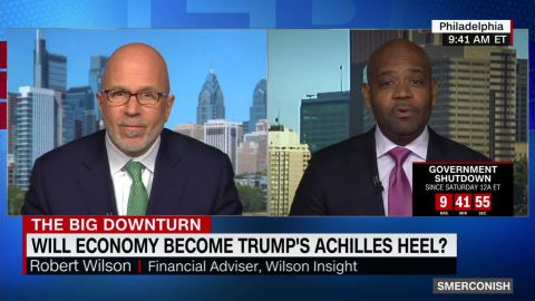 Trump touts economy as stocks plummet_00021611.jpg