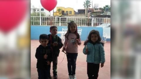 Dayami, along with her cousins and sister, took a picture together before releasing their balloon wishes on December 16.