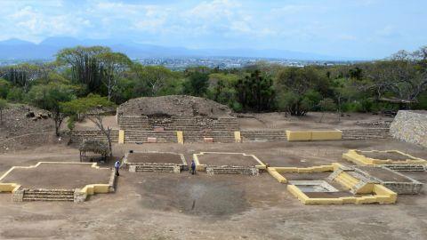 The Ndachjian--Tehuacan ruins were built by the Popoloca Indians