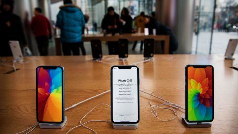 BEIJING, CHINA - JANUARY 07:  Apple iPhones are seen on display at an Apple Store on January 7, 2019 in Beijing, China. Apple Inc. lowered its revenue guidance last week, blaming China's slowing economy and weaker than expected iPhone sales, as the company's chief executive officer Tim Cook said in a letter to investors the sales problems were primarily in its Greater China region that accounts for almost 20 percent of its revenue and includes Hong Kong and Taiwan. (Photo by Kevin Frayer/Getty Images)