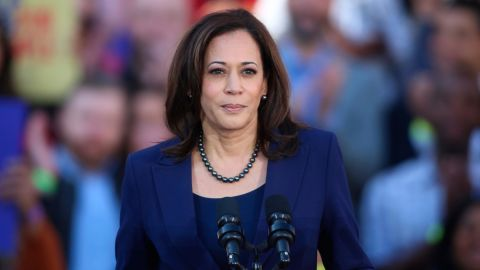 OAKLAND; CA - JAN 27: U.S. Senator Kamala Harris (D-CA) speaks to her supporters at the official launch rally for her campaign as a candidate for President of the United States in 2020 in front of Oakland City Hall at Frank H. Ogawa Plaza on January 27, 2019; in Oakland, California. Credit: Christopher Victorio/imageSPACE/MediaPunch /IPX