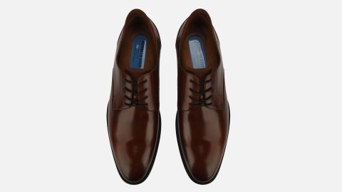 """<strong>Kenneth Cole Futurepod Oxford ($175; </strong><a href=""""http://www.anrdoezrs.net/links/8314883/type/dlg/sid/0219vdaygiftguide/https://www.kennethcole.com/men/shoes/oxfords/futurepod-plain-toe-oxford-with-techni-cole-KMS9021LE.html?dwvar_KMS9021LE_color=901&dwvar_KMS9021LE_size=50415#cgid=mens-dress&start=1"""" target=""""_blank"""" target=""""_blank""""><strong>kennethcole.com</strong></a><strong>) </strong><br />"""