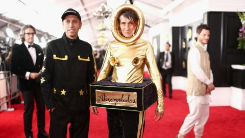 Andrea Echeverry from the Colombian rock band Aterciopelados dressed up as a Grammy.