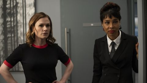 Anna Paquin, Sophie Okonedo in 'Flack'