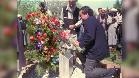 """Special envoy and US ambassador to the UN Bill Richardson lays a wreath in 1998 on the monument for the slain American ambassador to  Afghanistan, Adolph """"Spike"""" Dubs, who was killed in 1979."""