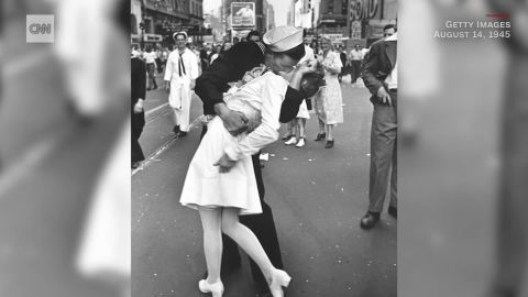 An American sailor passionately kisses a white-uniformed nurse in Times Square to celebrate the long awaited-victory over Japan. August 14, 1945.