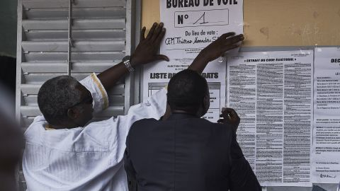 FATICK, SENEGAL - FEBRUARY 24: Election officials prepare a polling station ahead of the opening of the polls of Presidential election 2019 on February 24, 2019 in Fatick, Senegal. 6.7 million voters are expected to cast their vote in the West African country for a second term of President Macky Sall or a second round which would open possibilities to the other candidates. (Photo by Xaume Olleros/Getty Images)
