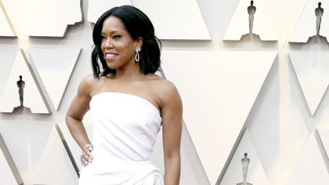 Best supporting actress nominee Regina King, kept it simple and chic in a white, strapless Oscar de la Renta gown.