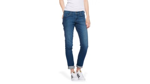 "<strong>1. The Laight ($108; </strong><a href=""https://www.mottandbow.com/women/pants/jeans/slim-boyfriend/slim-boyfriend-laight-10month.html"" target=""_blank"" target=""_blank""><strong>mottandbow.com</strong></a><strong>)</strong>"