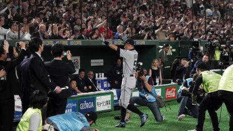 Ichiro Suzuki is introduced prior to the game between Seattle Mariners and Oakland Athletics at Tokyo Dome.