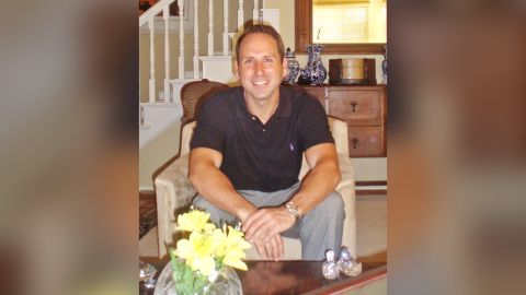 Justin Paperny once worked as a  stockbroker at companies like Bear Stearns and UBS Wealth Management.