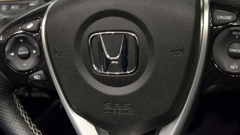This picture taken on July 6, 2015 shows an airbag of a Honda vehicle in Tokyo. Japanese automaker Honda said on July 9 the company was recalling another 4.5 million vehicles globally, as a scare over a deadly defect in Takata-made airbags widens.  AFP PHOTO / Yoshikazu TSUNO        (Photo credit should read YOSHIKAZU TSUNO/AFP/Getty Images)