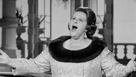 THE DEAN MARTIN SHOW -- Episode 19 -- Pictured: Kate Smith -- (Photo by: Gary Null/NBC/NBCU Photo Bank via Getty Images)