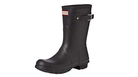 """<strong>Hunter Women's Original Short Rain Boot (starting at $69.99; </strong><a href=""""https://amzn.to/2GNve99"""" target=""""_blank"""" target=""""_blank""""><strong>amazon.com</strong></a><strong>)</strong><br />Give mom a pair of classic Hunter boots that are perfect for gardening and looking good on rainy days<br /><br />"""