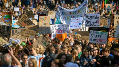 Youth climate activists protest at a weekly Fridays for Future demonstration ahead the Europe elections on May 24, 2019 in Cologne, western Germany. (Photo by INA FASSBENDER / AFP)        (Photo credit should read INA FASSBENDER/AFP/Getty Images)