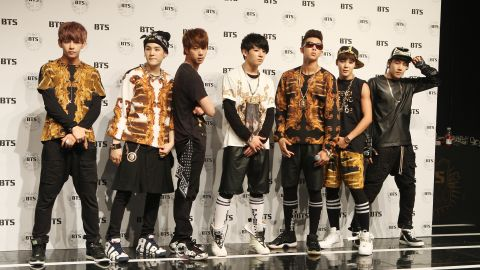 Would bts date a foreigner