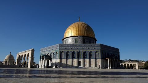 This picture shows the Dome of the Rock at the al-Aqsa mosque compound in the Jerusalem's Old City on July 27, 2018, after the site was reopened. - Israeli police closed the gates to Jerusalem's Al-Aqsa mosque compound for several hours on July 27 after clashes erupted with Palestinian worshippers following midday prayers at the flashpoint site. (Photo by AHMAD GHARABLI / AFP)        (Photo credit should read AHMAD GHARABLI/AFP/Getty Images)