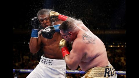 NEW YORK, NEW YORK - JUNE 01:  Andy Ruiz Jr  punches Anthony Joshua after their IBF/WBA/WBO heavyweight title fight at Madison Square Garden on June 01, 2019 in New York City. (Photo by Al Bello/Getty Images)