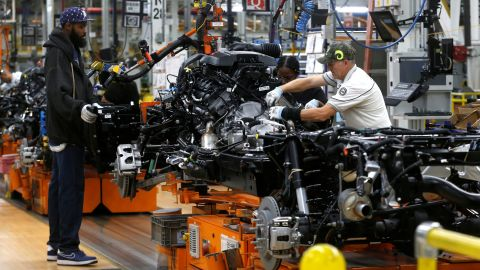Fiat Chrysler Automobiles assembly workers build 2019 Ram pickup trucks at the FCA Sterling Heights Assembly Plant in Sterling Heights, Michigan, U.S., October 22, 2018. Picture taken on October 22, 2018.   REUTERS/Rebecca Cook