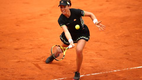 PARIS, FRANCE - JUNE 07: Johanna Konta of Great Britain plays a forehand during her ladies singles semi-final match against Marketa Vondrousova of The Czech Republic during Day thirteen of the 2019 French Open at Roland Garros on June 07, 2019 in Paris, France. (Photo by Julian Finney/Getty Images)