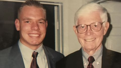 """Swalwell meets former US Rep. John Anderson in 2001. """"John was a moderate Republican who exemplified statesmanship and collaboration,"""" <a href=""""https://twitter.com/repswalwell/status/940278875380215808?lang=en"""" target=""""_blank"""" target=""""_blank"""">Swalwell tweeted.</a> """"I was lucky to meet him in 2001 while interning on the Hill."""""""