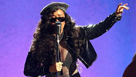 LOS ANGELES, CALIFORNIA - JUNE 23: H.E.R. performs onstage at the 2019 BET Awards on June 23, 2019 in Los Angeles, California. (Photo by Frederick M. Brown/Getty Images for BET)