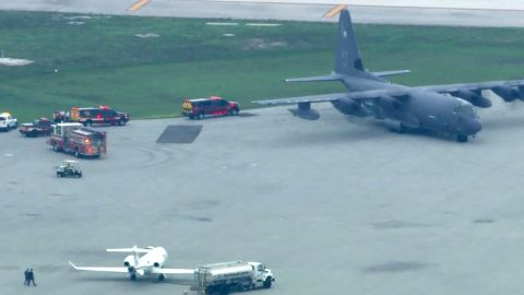 A  US military C-130 transported injured people from the Bahamas to Fort Lauderdale