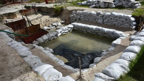 Dozens of graves of US servicemen lie under the water table in Tarawa, Kiribati.