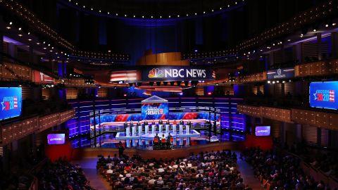 Democratic presidential candidates New York City Mayor Bill De Blasio (L-R), Rep. Tim Ryan (D-OH), former housing secretary Julian Castro, Sen. Cory Booker (D-NJ), Sen. Elizabeth Warren (D-MA), former Texas congressman Beto O'Rourke, Sen. Amy Klobuchar (D-MN), Rep. Tulsi Gabbard (D-HI), Washington Gov. Jay Inslee, and former Maryland congressman John Delaney take part in the first night of the Democratic presidential debate on June 26, 2019 in Miami, Florida.